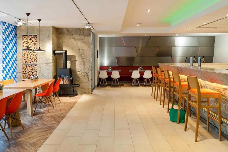 Lobby Hotel Ibis Styles, München Ost